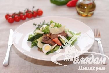 Салат с языком и пармезаном